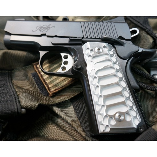 COBRA [1911 Compact Grips] BRUSHED