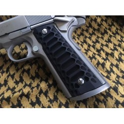 COBRA [Full Size 1911 Magwell Grips] BLACK